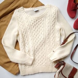 Columbia • ivory Crewneck cable knit wool sweater